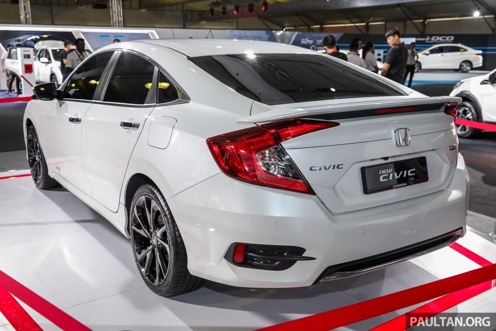 Honda Civic 2020 nang cap kieu dang, them trang bi an toan hinh anh 4 Honda_Civic_Facelift_with_Honda_Sensing_Preview_Ext_2.jpg