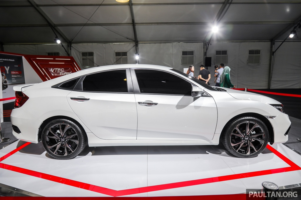 Honda Civic 2020 nang cap kieu dang, them trang bi an toan hinh anh 5 Honda_Civic_Facelift_with_Honda_Sensing_Preview_Ext_3.jpg