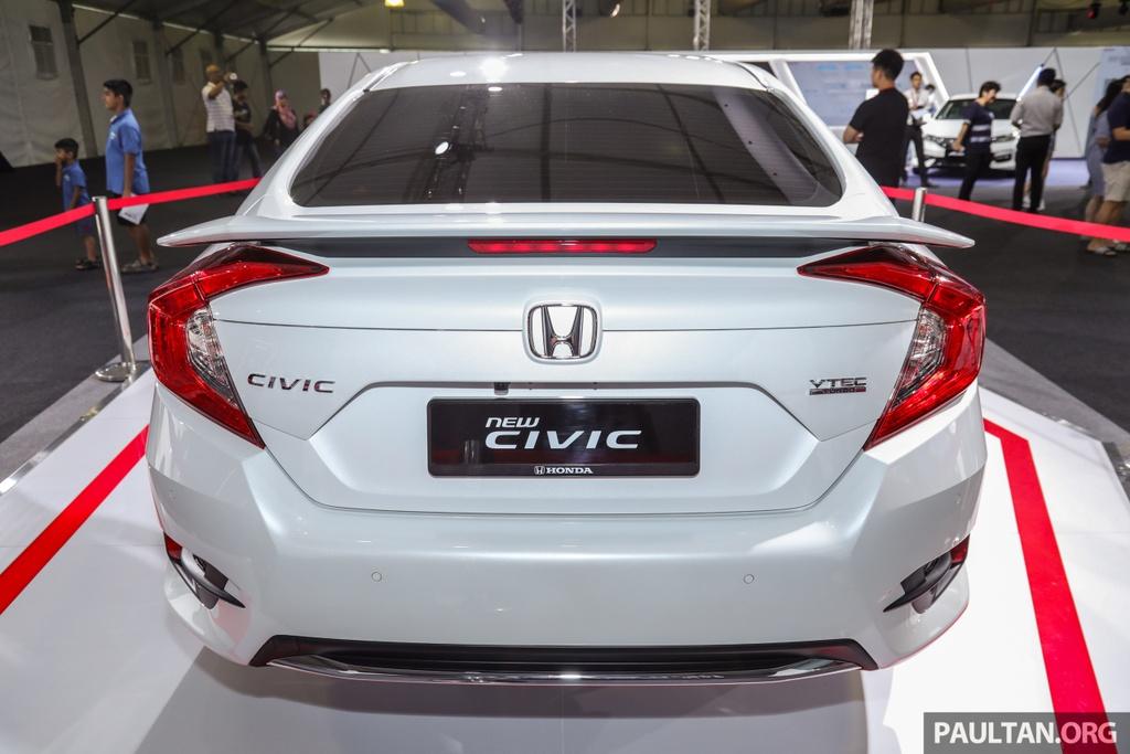 Honda Civic 2020 nang cap kieu dang, them trang bi an toan hinh anh 3 Honda_Civic_Facelift_with_Honda_Sensing_Preview_Ext_5.jpg