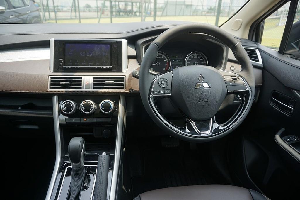 So sanh Suzuki XL7 va Mitsubishi Xpander Cross anh 8