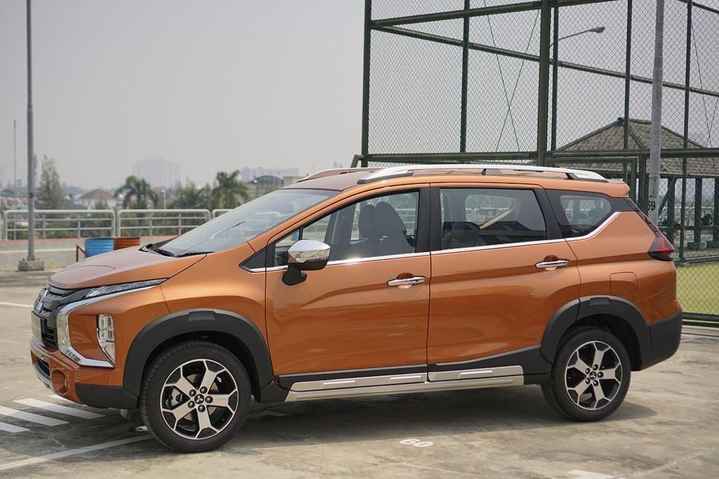 So sanh Suzuki XL7 va Mitsubishi Xpander Cross anh 2