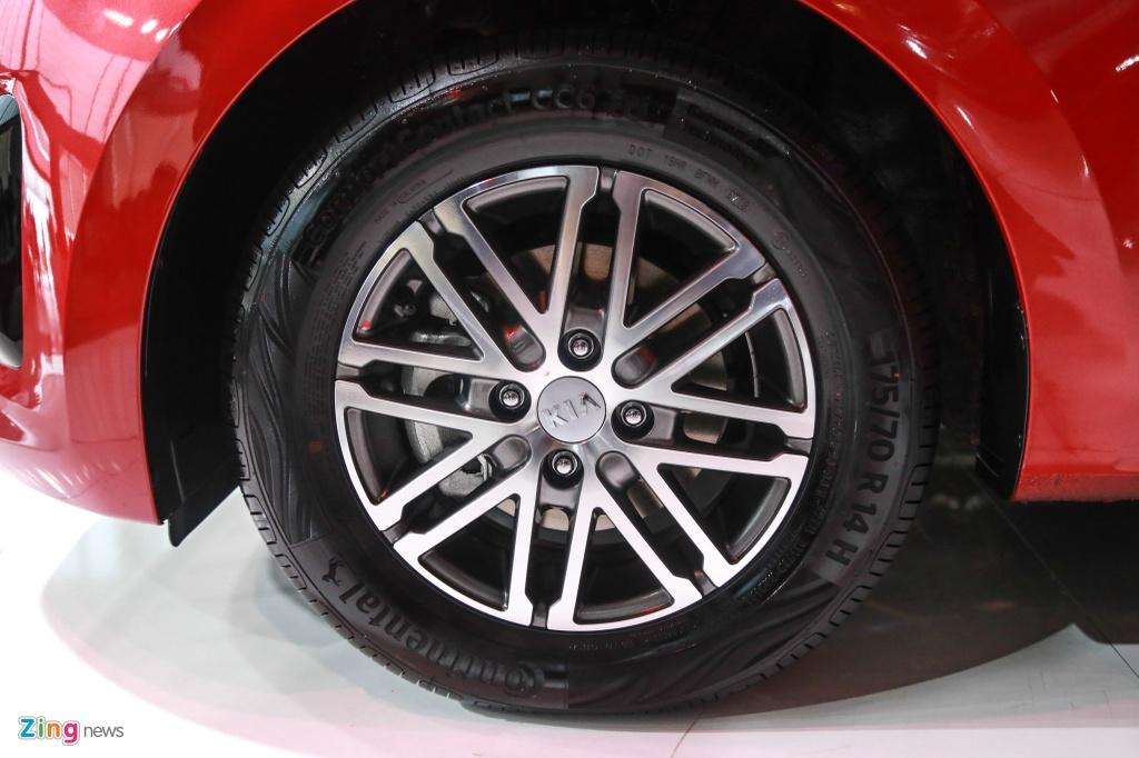 Mitsubishi Attrage va Kia Soluto - cuoc chien xe hang B gia re o VN hinh anh 8 Soluto_zing_6_.jpg