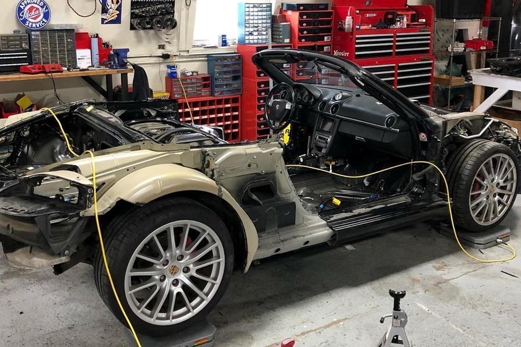 Tho do bien Porsche Boxster thanh sieu xe trieu USD hinh anh 5 705558.jpg