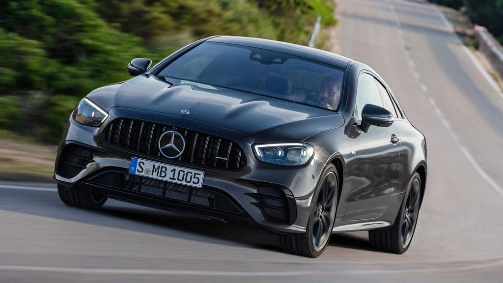 Mercedes-AMG E 53 Coupe va E 53 Cabriolet 2021 ra mat anh 3