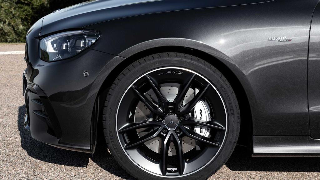 Mercedes-AMG E 53 Coupe va E 53 Cabriolet 2021 ra mat anh 4