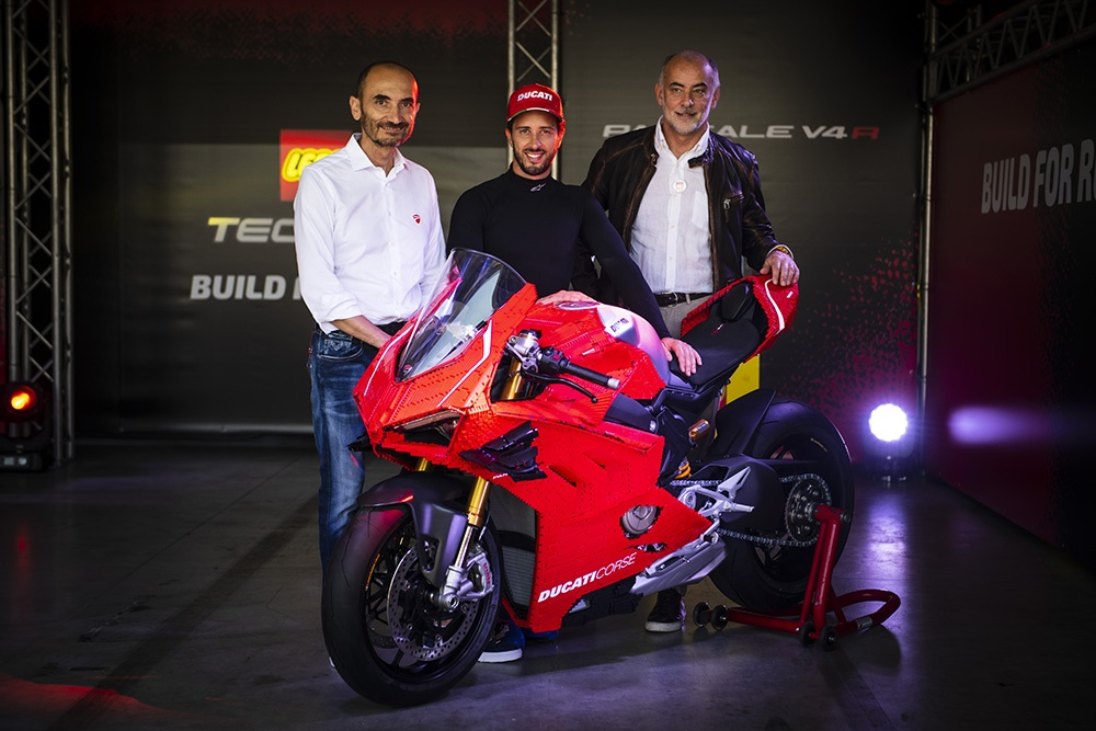Mo hinh Lego Ducati Panigale V4R ty le that anh 7