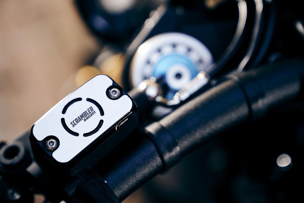 Mau xe doc quyen Ducati Scrambler Club Italia anh 5
