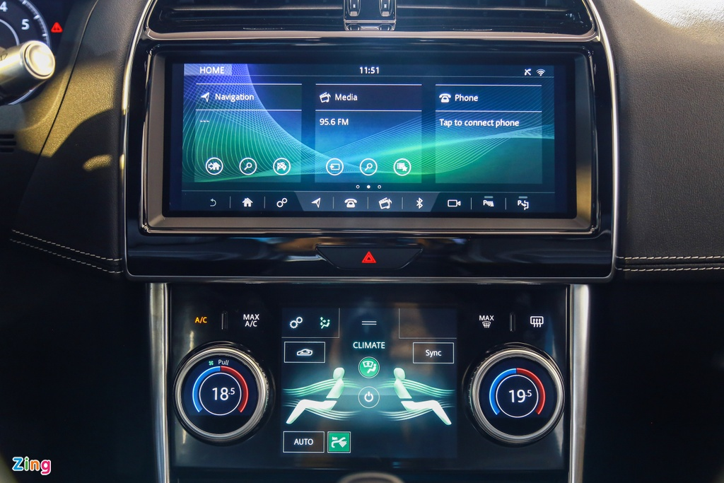 Jaguar XE ra mat tai VN anh 8