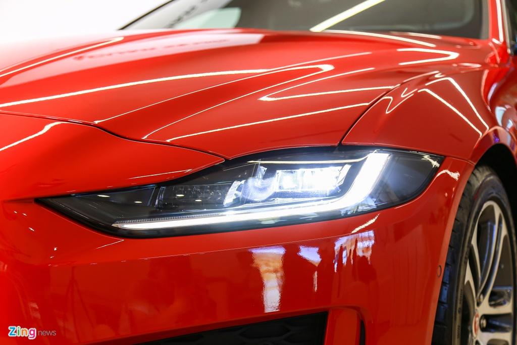 Jaguar XE ra mat tai VN anh 4