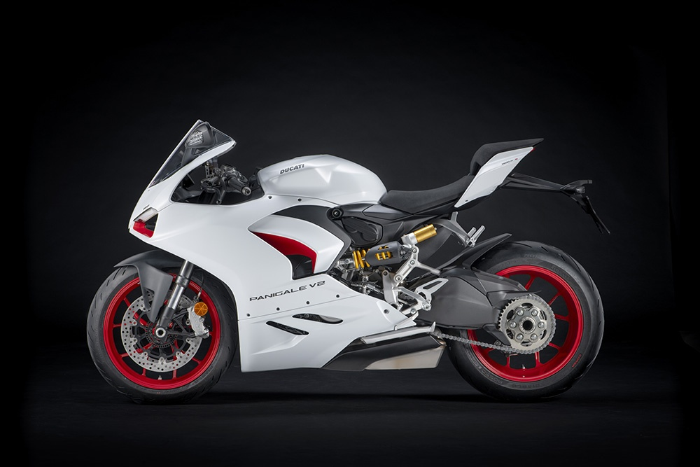 Ducati Panigale V2 White Rosso sap ra mat tai DNA anh 2