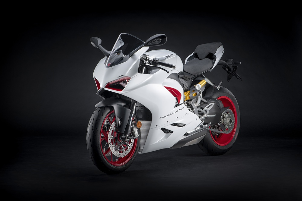 Ducati Panigale V2 White Rosso sap ra mat tai DNA anh 1