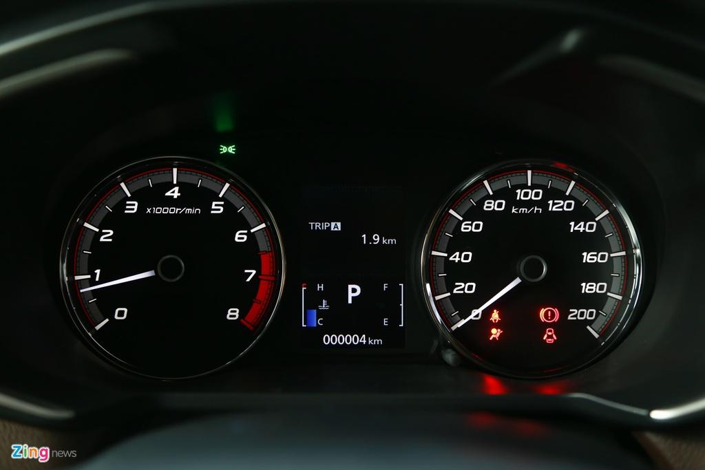 Mitsubishi Xpander Cross ra mat,  gia 670 trieu dong anh 13