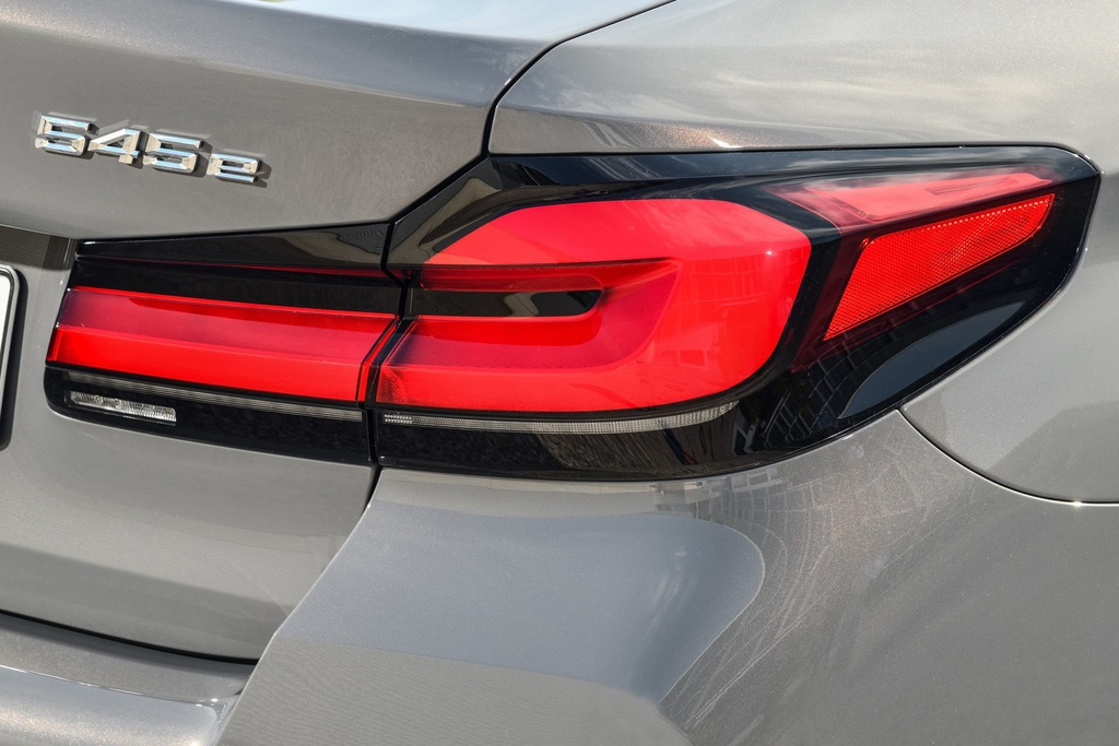 Chi tiet BMW 545e xDrive 2021 anh 5
