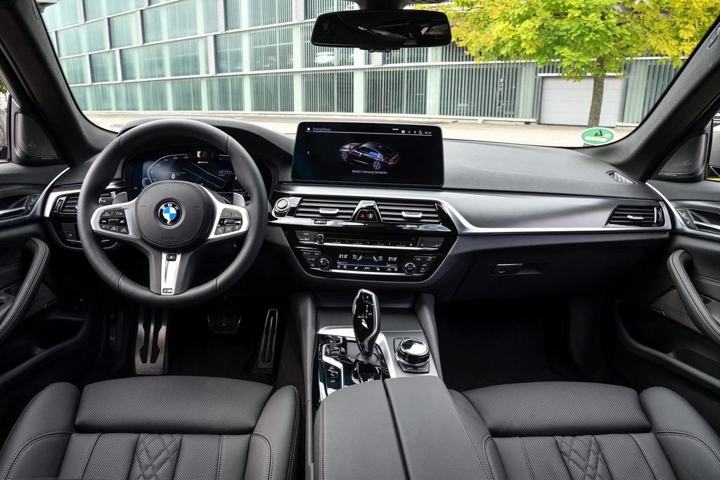 Chi tiet BMW 545e xDrive 2021 anh 6