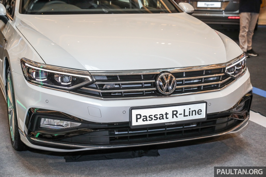 Chi tiet Volkswagen Passat R-Line anh 3