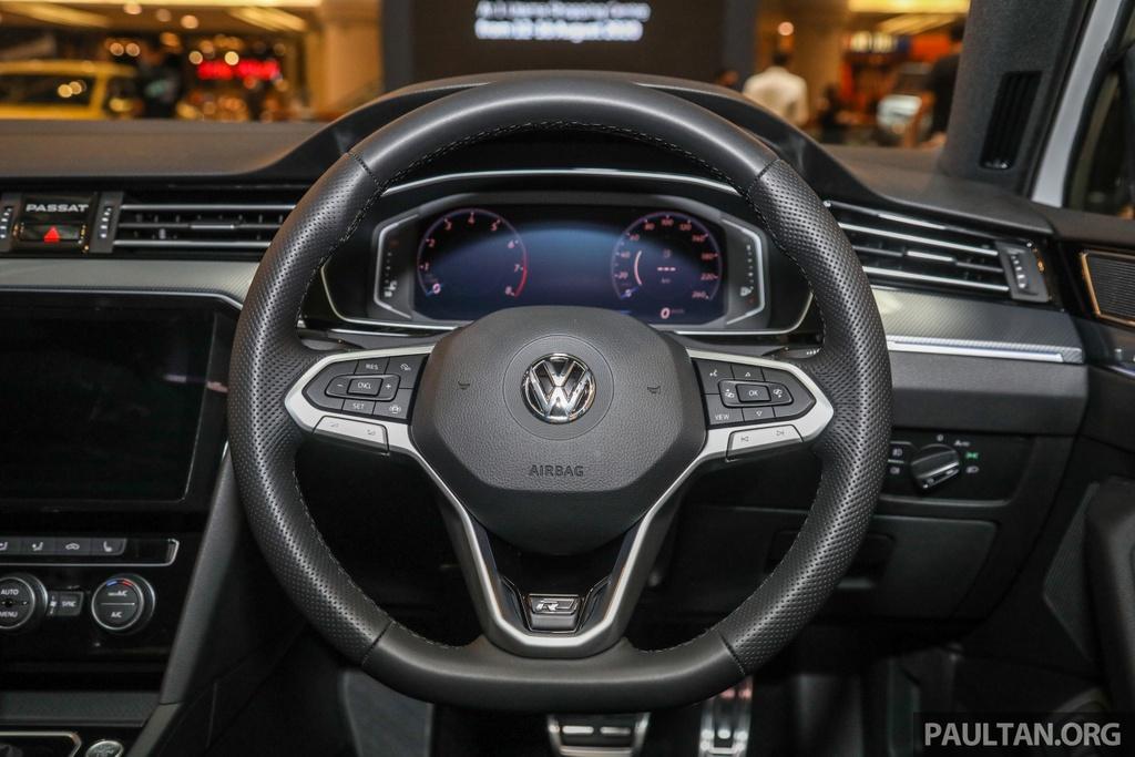Chi tiet Volkswagen Passat R-Line anh 7