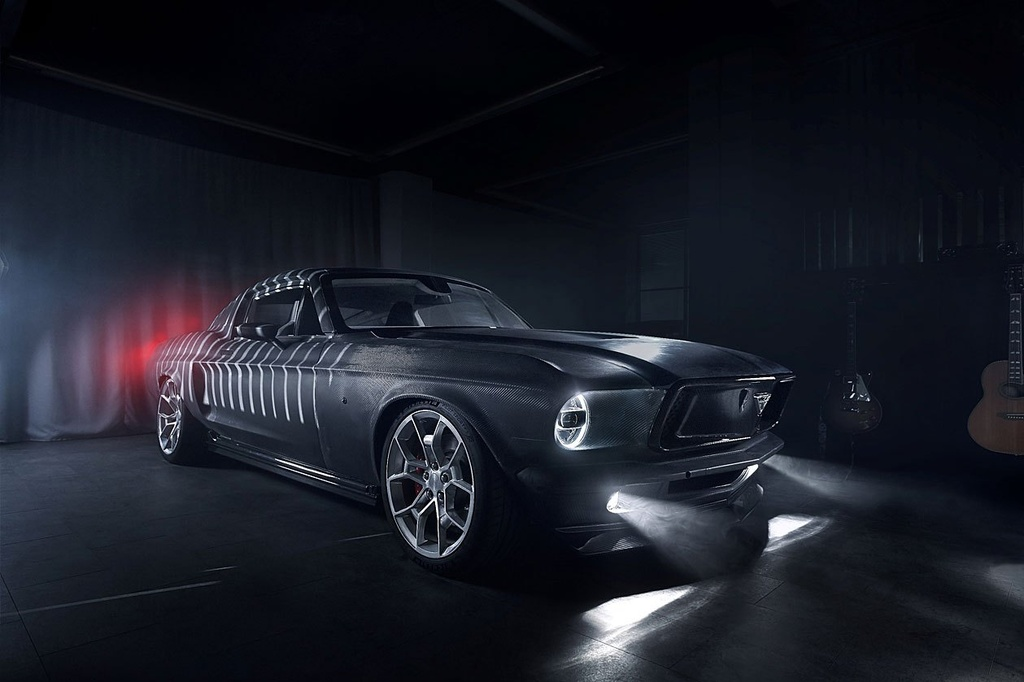 Hang xe Nga che tao xe dien tu Tesla Model S va Ford Mustang anh 5