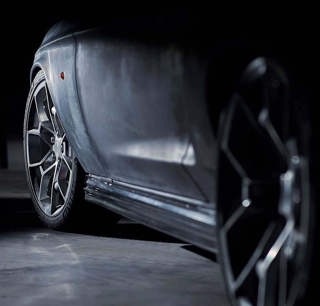 Hang xe Nga che tao xe dien tu Tesla Model S va Ford Mustang anh 11