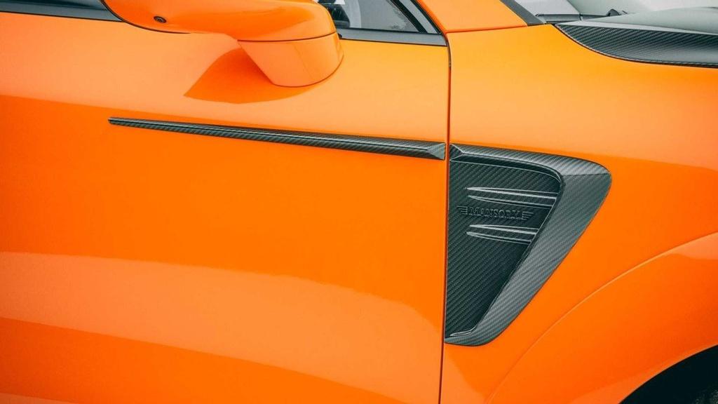 Porsche Cayenne co them goi do moi anh 4
