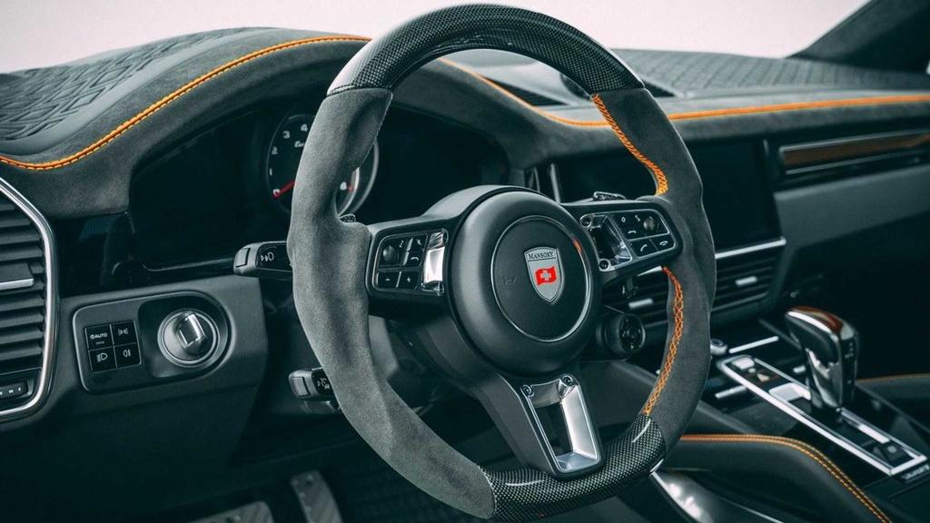 Porsche Cayenne co them goi do moi anh 7