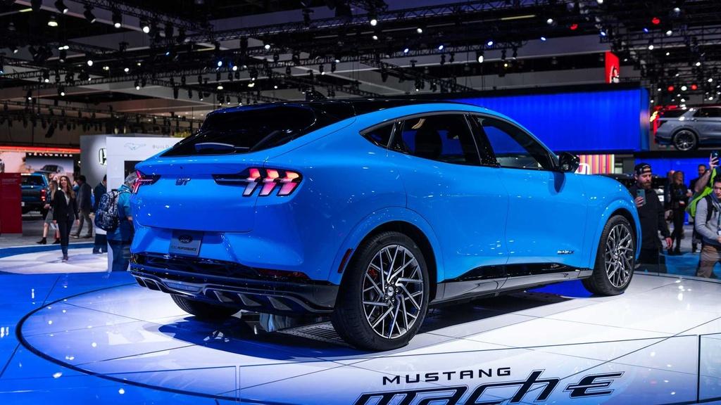 Ford Mustang Mach-E GT ra mat tai chau Au anh 7