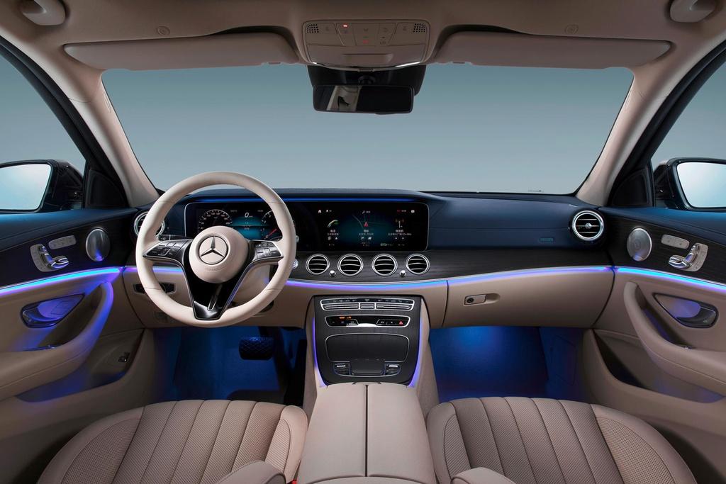 Mercedes-Benz E-Class ban keo dai truc co so ra mat anh 6