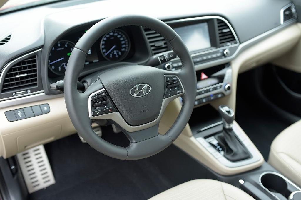 7 the he cua Hyundai Elantra anh 24