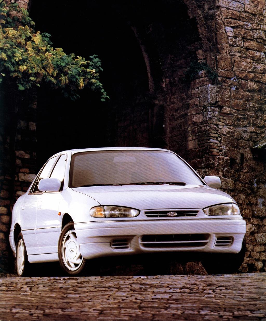 7 the he cua Hyundai Elantra anh 3