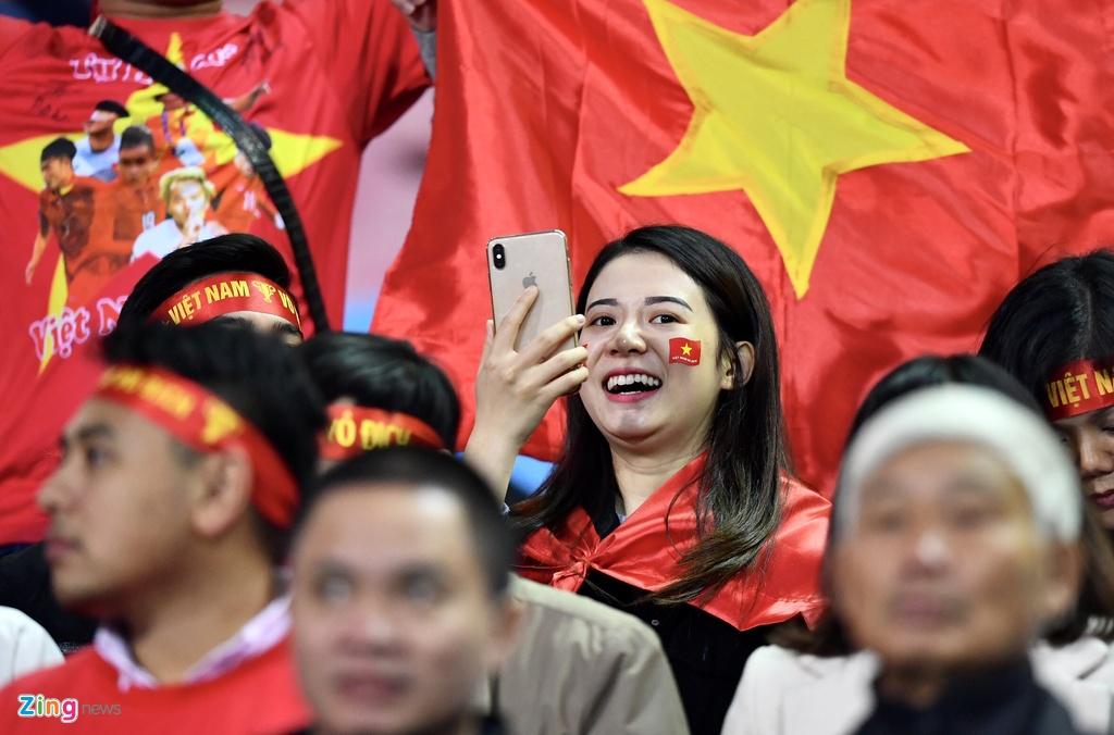 Ban gai Duy Manh rang ngoi truoc tran chung ket AFF Cup hinh anh 9