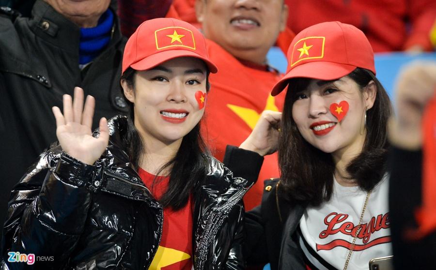 Ban gai Duy Manh rang ngoi truoc tran chung ket AFF Cup hinh anh 8