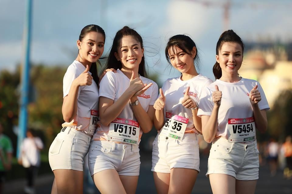 Hoa hau Tieu Vy rang ngoi tren duong chay giai Tien Phong Marathon hinh anh 2