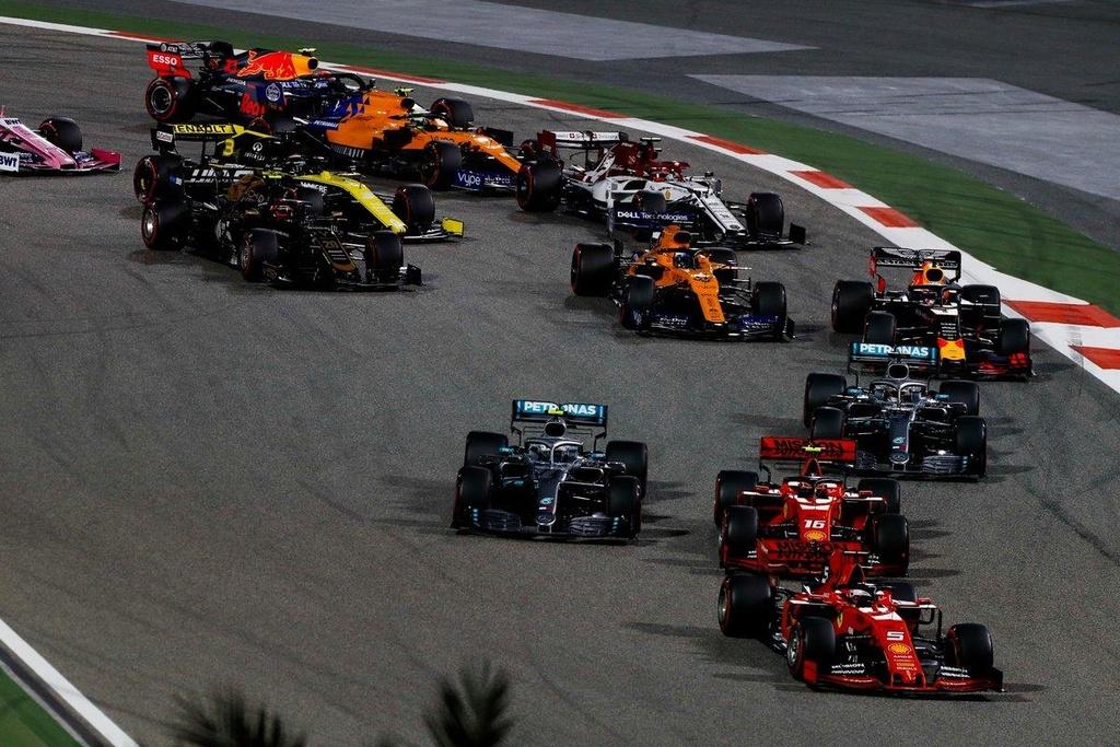 Doi thu gap su co, Hamilton ve nhat chang dua F1 tai Bahrain hinh anh 6