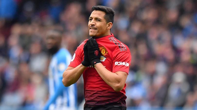 Alexis Sanchez dang trach hay dang thuong? hinh anh 1