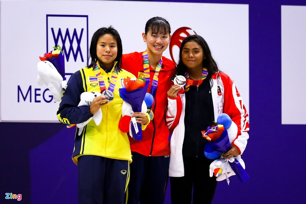 Kinh ngu Hung Nguyen, Kim Son dung chung buc nhan huy chuong SEA Games hinh anh 8