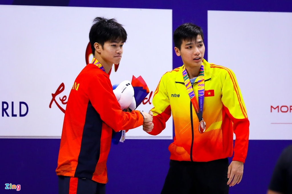Kinh ngu Hung Nguyen, Kim Son dung chung buc nhan huy chuong SEA Games hinh anh 5