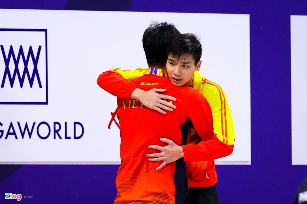 Kinh ngu Hung Nguyen, Kim Son dung chung buc nhan huy chuong SEA Games hinh anh 7