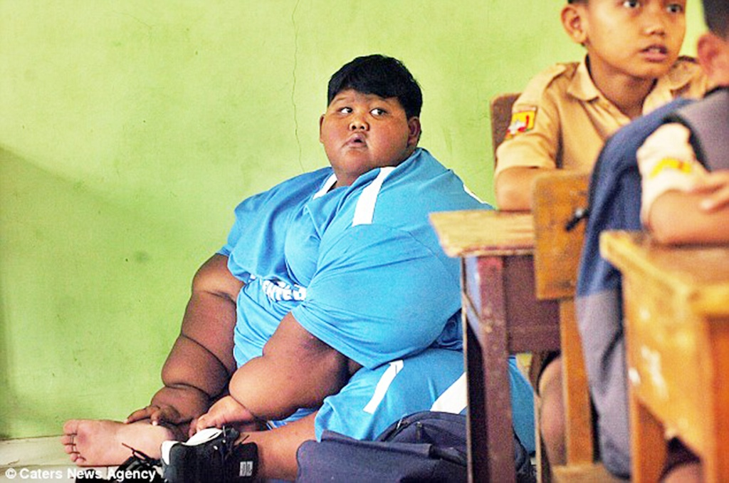 Cau be nang hon 200 kg tro lai truong sau no luc giam can hinh anh 7