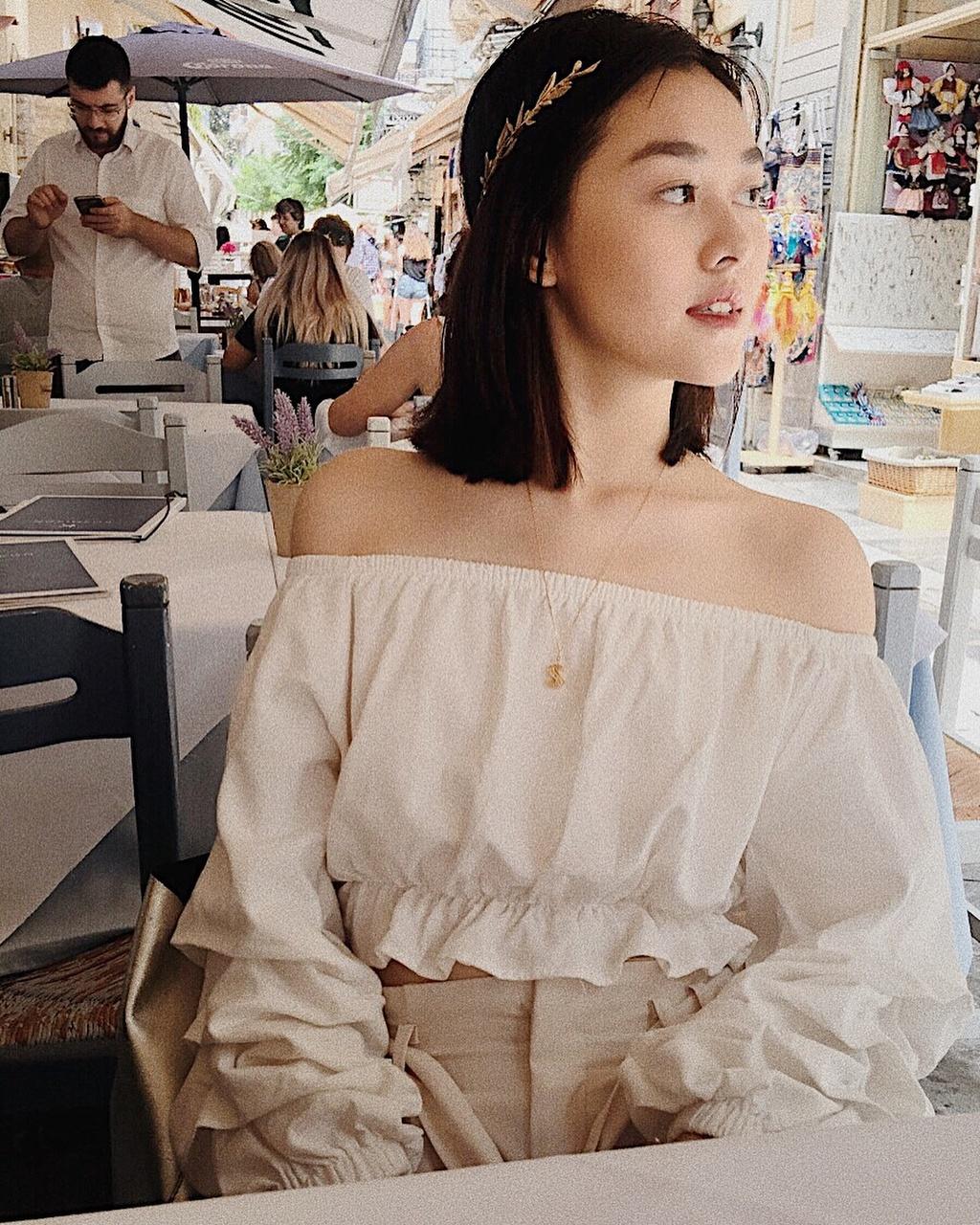 Hot girl Phan Dinh Phung khoe anh vi vu troi Tay sau ky thi THPT hinh anh 2