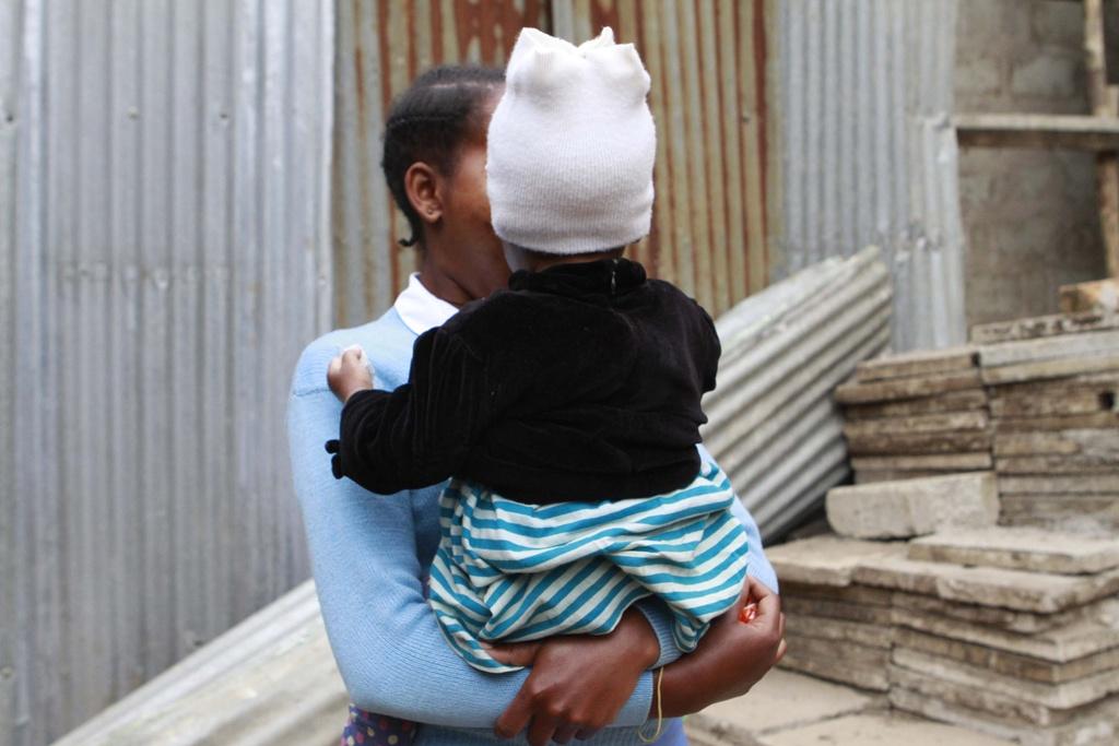 Nu sinh Tanzania phai thu thai 2 lan trong nam, bi duoi hoc neu co bau hinh anh 4