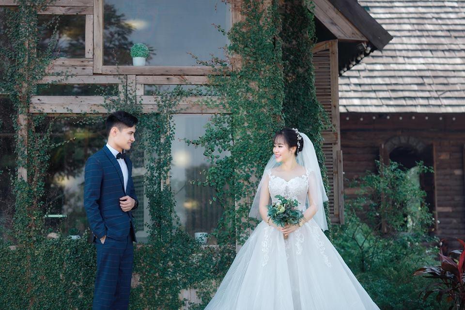 Nghĩa - Huyền từng trải qua nhiều sóng gió trước khi tiến tới hôn nhân.