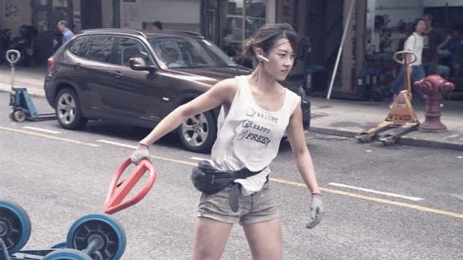 'Hot girl boc vac' Hong Kong: Da lam nghe 10 nam, tu choi vao showbiz hinh anh 4