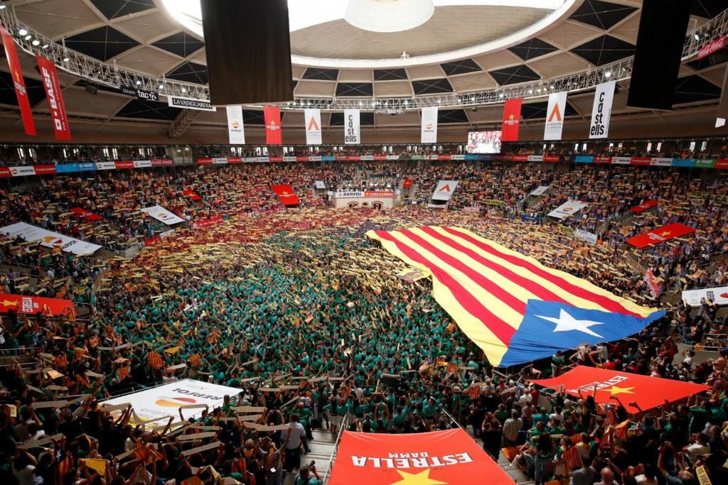 6.000 nguoi Catalonia tham gia cuoc thi xay 'thap nguoi' hinh anh 3