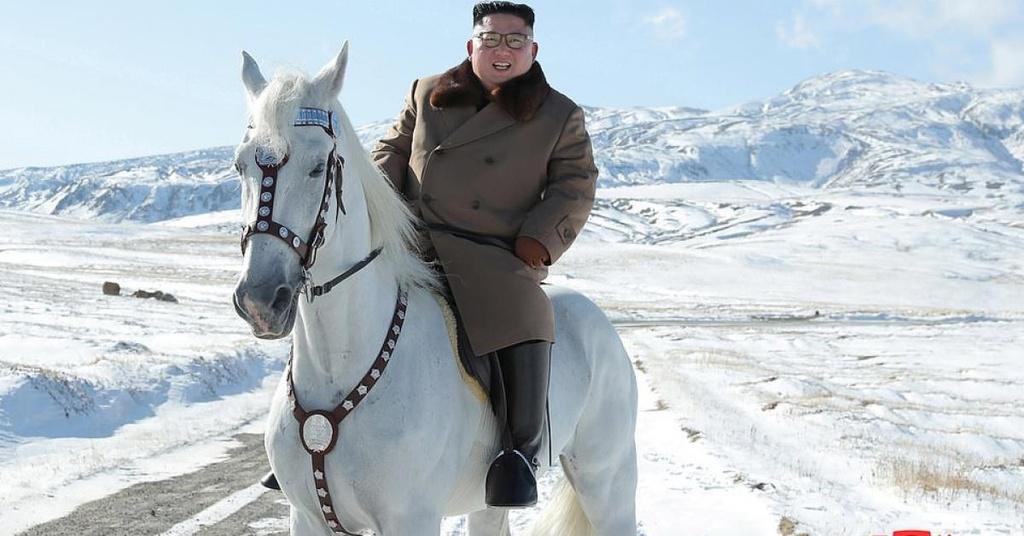 Ong Kim cuoi b.ach ma len nui thieng, the gioi sap co b.at ngo hinh anh 3