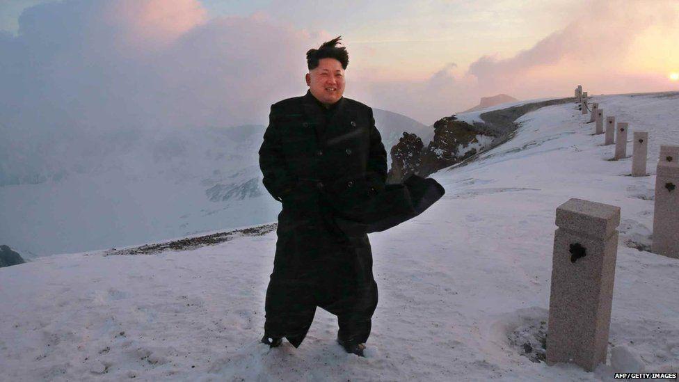 Ong Kim cuoi b.ach ma len nui thieng, the gioi sap co b.at ngo hinh anh 10