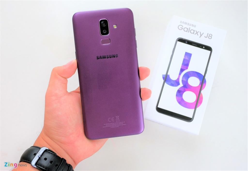 danh gia Galaxy J8 anh 4
