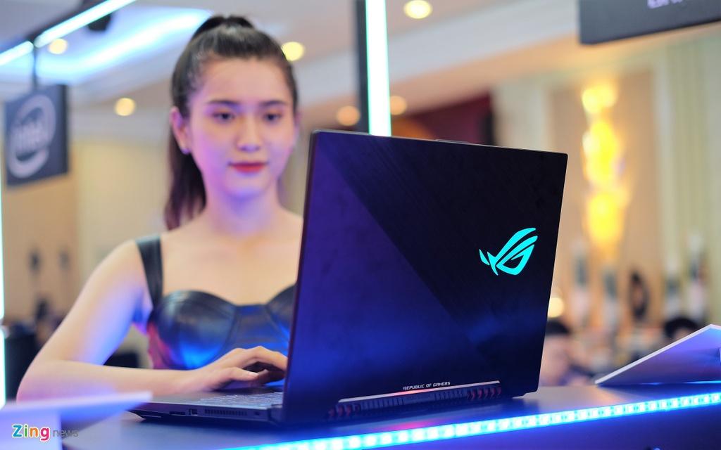 Laptop gaming ROG Strix SCAR II ra mat tai VN, gia tu 44,9 trieu hinh anh 1