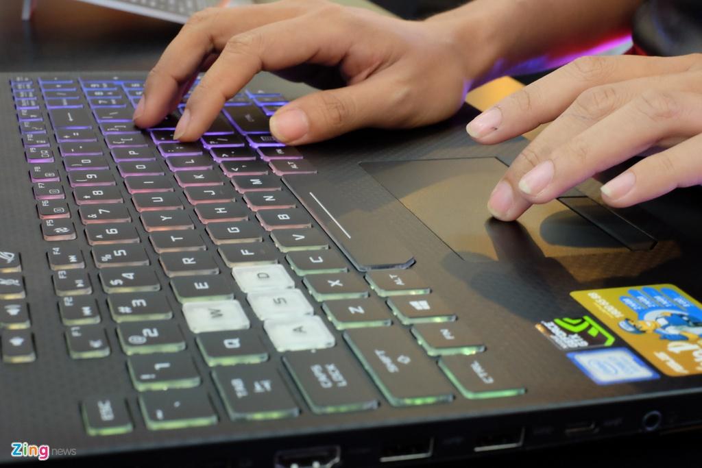 Laptop gaming ROG Strix SCAR II ra mat tai VN, gia tu 44,9 trieu hinh anh 4