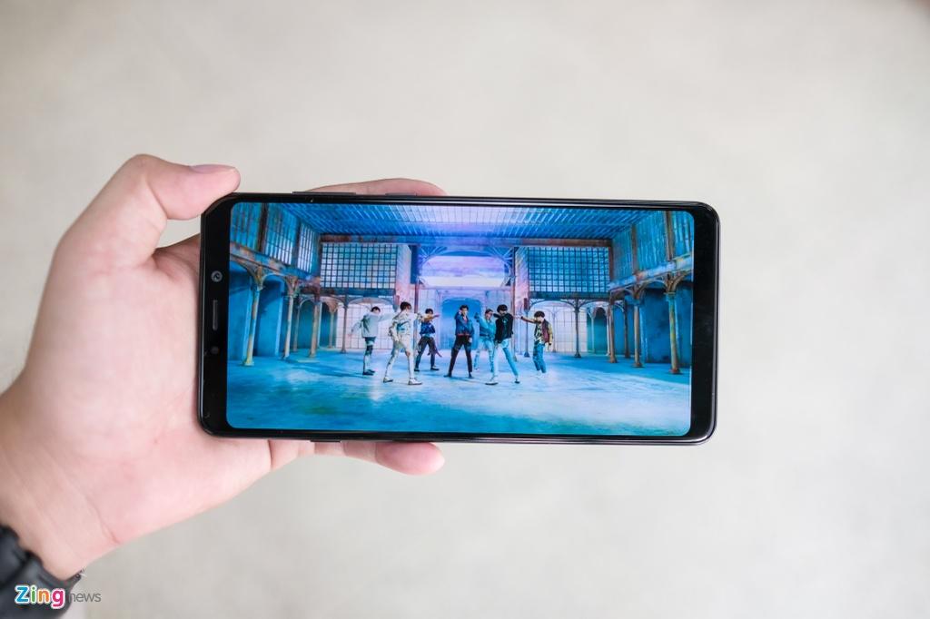 Chi tiet Galaxy A9 2018 4 camera sap ra mat o VN hinh anh 6