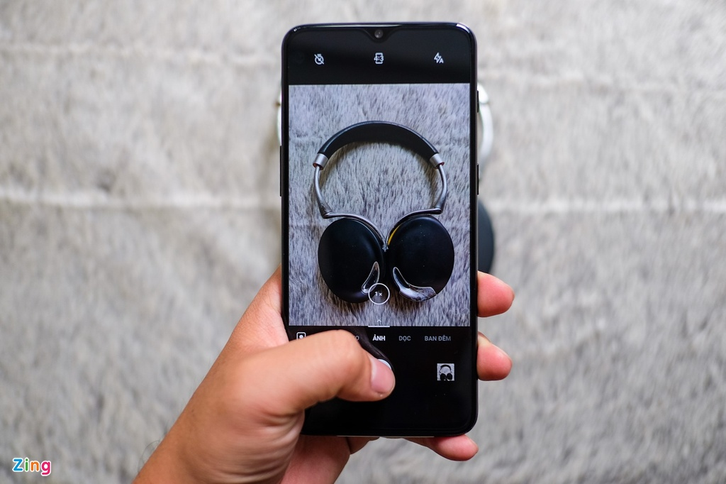 Chi tiet OnePlus 6T tai VN: Cau hinh cao, gia bang nua iPhone XS hinh anh 9