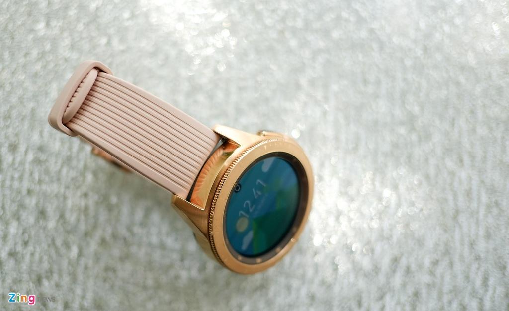 Danh gia Galaxy Watch - gon hon, them nhieu che do tap luyen hinh anh 3